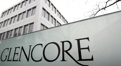 Акции швейцарского сырьевого трейдера Glencore рухнули на 27%