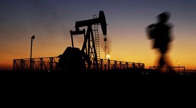 Трейдер, предсказавший обвал цен на нефть, пообещал рост до $50
