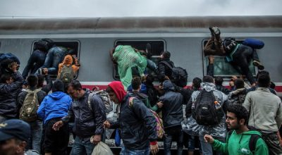 Можно ли остановить поток беженцев в Европу?