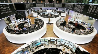Биржи Европы снижаются вслед за ценами на нефть и на внутренних статданных