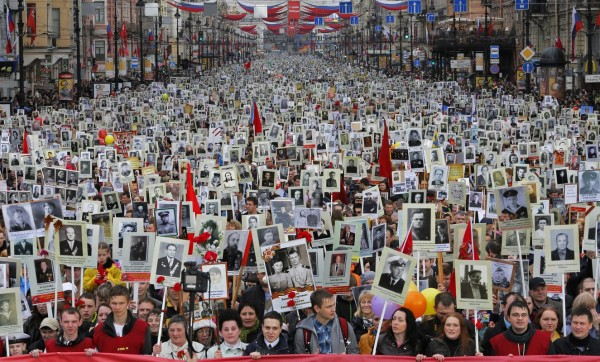 Россия в зеркале мировых СМИ: победа Дня Победы