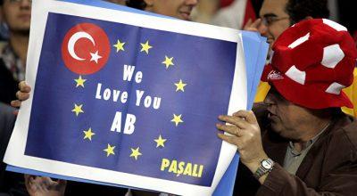 Bloomberg: Зачем Эрдоган провоцирует европейских лидеров?