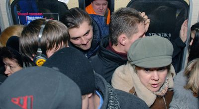 Ездить на вражеском: как киевское метро помогает сепаратистам
