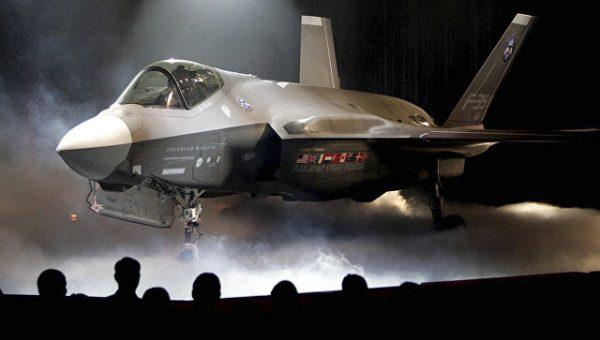 """Зачем """"к порогу России"""" пригнали американские истребители F-35"""