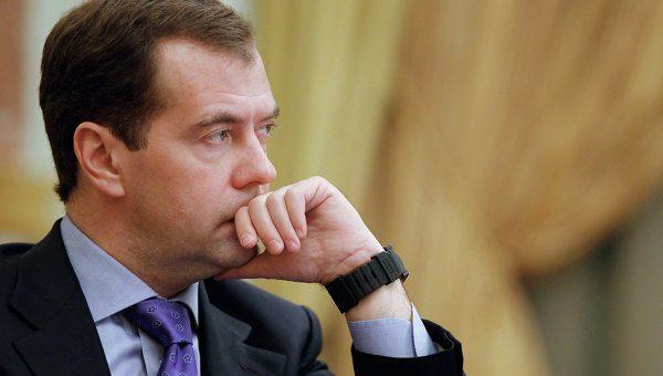 """Дмитрий Медведев продолжит копить """"деньги, которых нет"""""""