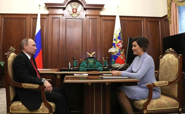 Операция «преемница»: После Путина страну возглавит женщина-президент?