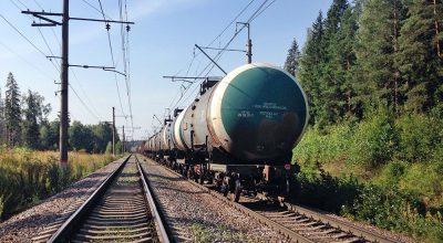 Россия направила грузовые поезда в обход Украины