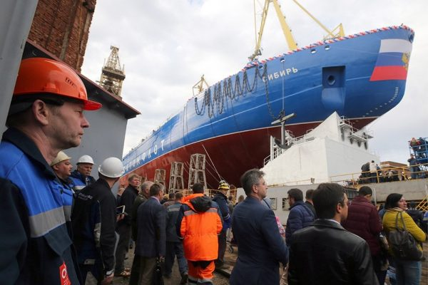 В Петербурге спустили на воду крупнейший в мире ледокол