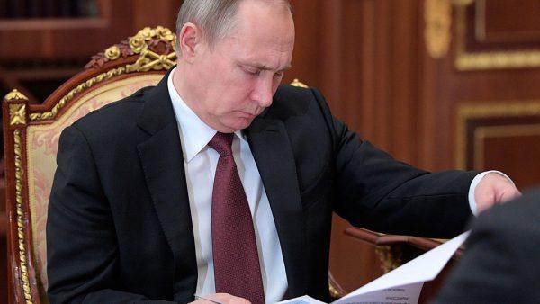 Бизнес пожаловался Путину на Медведева