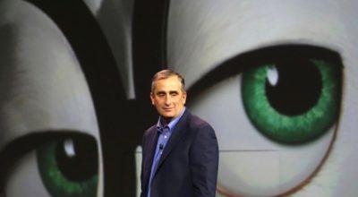 Глава Intel продал акции до начала