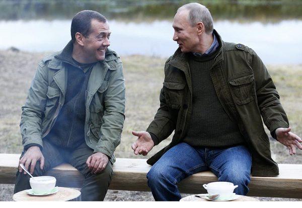 2018: «Путин - в Кремле, Медведев - в Белом доме»