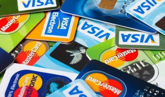 Банкам дали карт-бланш на блокировку карт населения