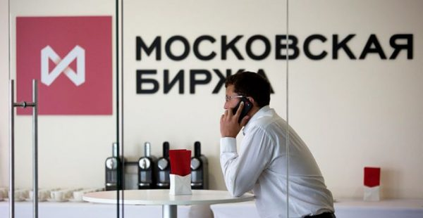 Иностранные инвесторы скупают российский рынок акций