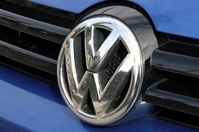 Акции Volkswagen рухнули на 17% на фоне скандала в США