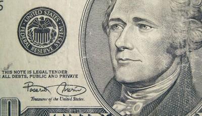 По каким валютам ударит сильнее всего решение ФРС?