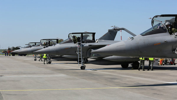 Франция согласилась снизить цену на истребители Rafale для Индии