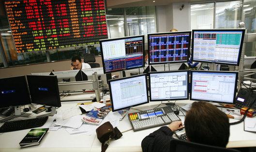"""Биржи пережили """"черный"""" январь и опасаются рецессии"""