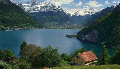 Швейцария собралась платить всем гражданам по 2500 евро в месяц
