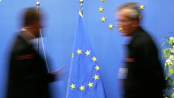 Евросоюз может в июле рассмотреть вопрос об ослаблении санкций