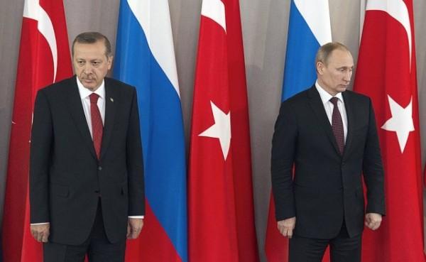 ии Тайип Эрдоган (справа) и президент России Владимир Путин на пресс-конференции в Анкаре