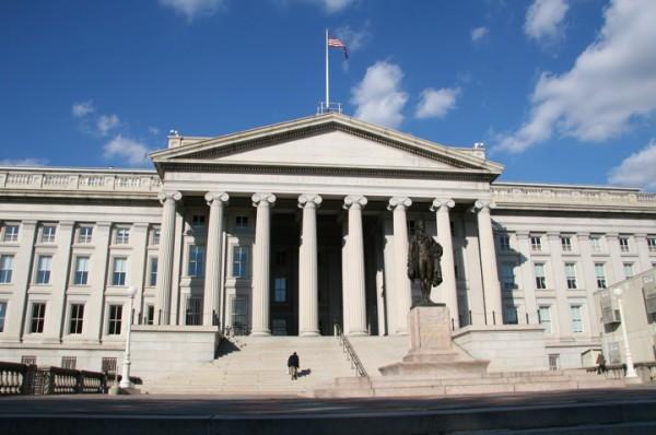 Почему Россия продолжает скупать гособлигации США?