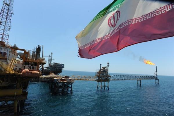 Иран будет продавать нефть дешевле чем Саудовская Аравия