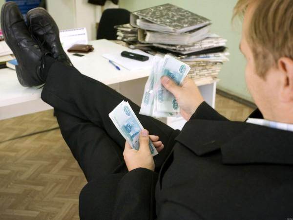 Совет федерации одобрил повышение пенсионного возраста для госслужащих