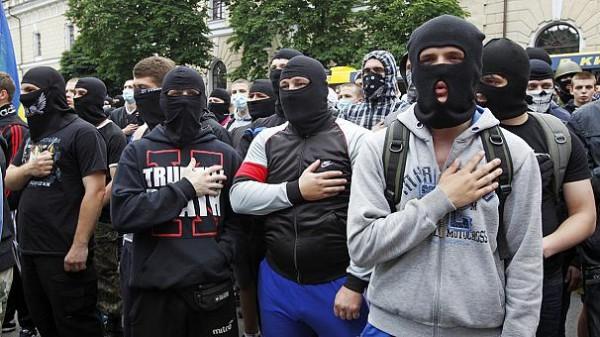 Золотой дождь для украинских «патриотов»