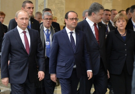 «Подвижки» по Минским соглашениям: мнимое давление Запада и зигзаги Порошенко