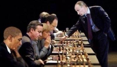 Владимира Путина принуждают к самой сложной многоходовке