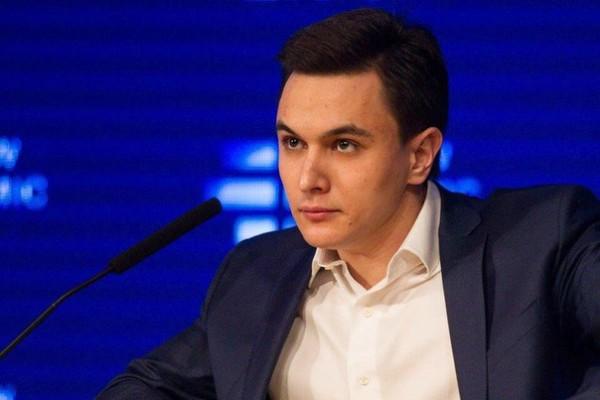 """""""Рубль будет дешеветь и нефть покатится вниз, но мер для стабилизации нет"""""""