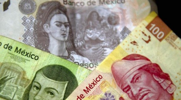Мексиканский песо рухнул на фоне выборов в США