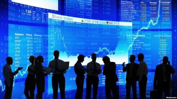Предвыборная лихорадка подстегнула падение доллара к основным мировым валютам
