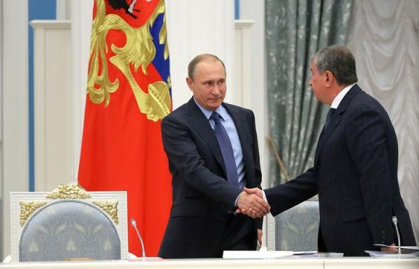 """Financial Times назвала приватизацию """"Роснефти"""" личным триумфом Путина"""