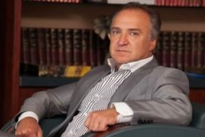 """Пока дебилы воюют в АТО, """"умный"""" отстаивает собственность в Севастополе"""