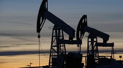 Россия с 1 января начинает сокращать добычу нефти