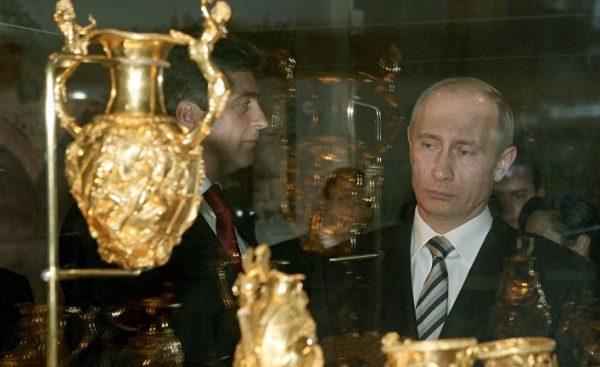 Time: Владимир Путин — самый богатый человек в мире?