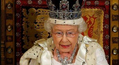 Королеву Елизавету чуть не расстреляли в Букингемском дворце