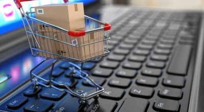 Россияне за год потратили почти триллион рублей на онлайн-покупки
