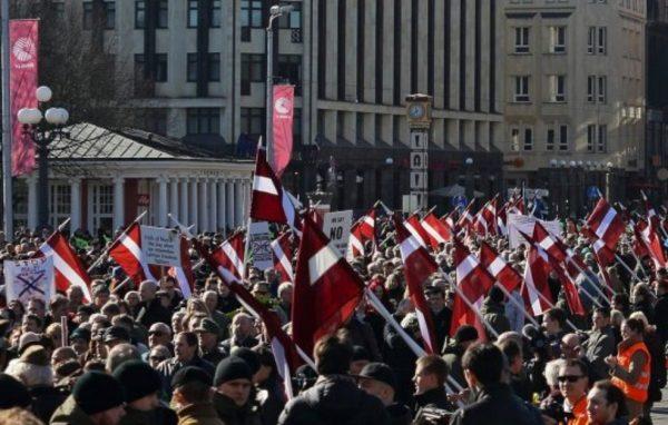 Марш Waffen SS в Риге: вчера с Гитлером, сегодня — с НАТО