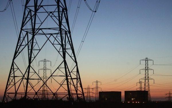 Только заплати: Киев обещает ЛНР электроэнергию, но уже обманывает по воде