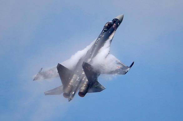 """F-18, """"Рапторы"""" и F-35 бессильны против Су-35"""