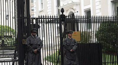 Обыск посольства - это истерика из-за поражения ИГ