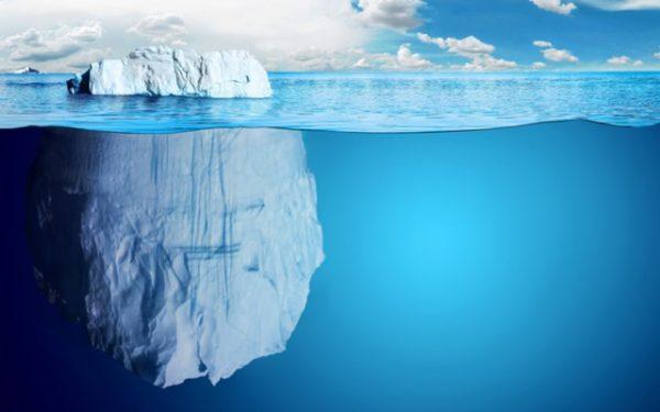 Роснефть научилась буксировать айсберги в Арктике