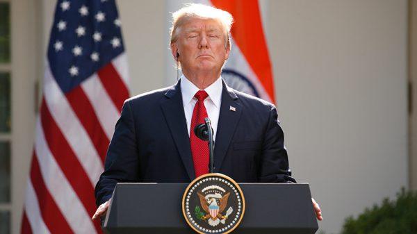 Обновил антирекорд: с чем связано падение рейтинга популярности Трампа