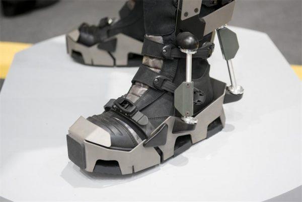 «Ратник» получит электронные очки и противоминную обувь