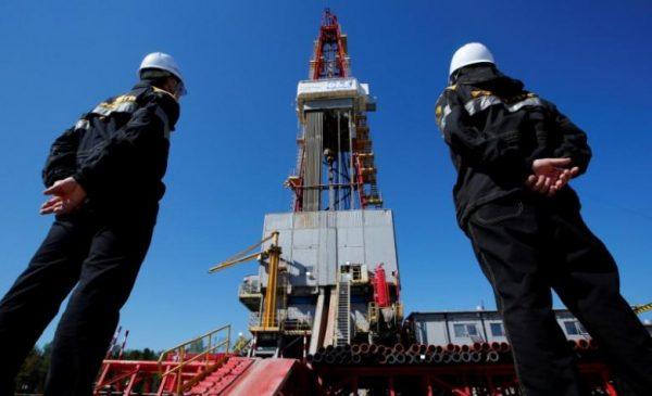 """Бюджет России """"купается"""" в нефтяных деньгах"""