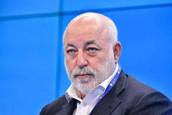 Российские миллиардеры избавляются от активов в преддверии санкций США