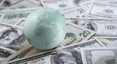 Бум мировой экономики оказывает давление на доллар