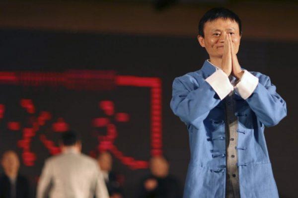 Бургеры, джинсы, дешевые часы: Самые скромные в мире богачи